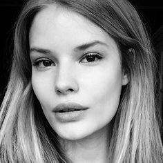 Selfie like you're Alena Blohm ( www. Diy Beauty, Beauty Makeup, Beauty Hacks, Hair Makeup, Beauty Box, Beauty Tips, Selfies, Selfie Poses, Selfie Ideas