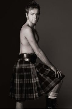 Ewan McGregor in Kilt mode!! (Scone man!)