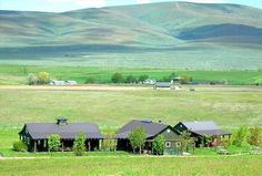 Chateau / Country House vacation rental in Ellensburg $250/nt