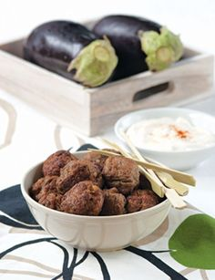 MELITZANOKEFTEDES-me-kima Greek Recipes, Meat Recipes, Cooking Recipes, Vegan Patties, Minced Meat Recipe, Mince Meat, Almond, Food And Drink