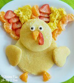 Fun Food Ideas for Kids: Thanksgiving Turkey Pancakes for Breakfast