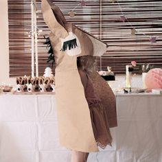 Offrez un déguisement mémorable à votre princesse avec cette cape peau d'âne home made, conçue par Corale de By Little Ones !