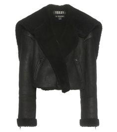 ¡Cómpralo ya!. Shearling And Leather Jacket (season 1). Black Shearling And Leather Jacket (season 1) By Yeezy , chaquetadecuero, polipiel, biker, ante, anteflecos, pielflecos, polipielflecos, antelina, chupa, decuero, leather, suede, suedette, fauxleather, tassel. Chaqueta de cuero  de mujer color negro de YEEZY.