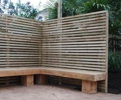 use trellis planter and add cushions instead Relaxing Spaces by Garden House Des. use trellis plan Wooden Trellis, Trellis Fence, Diy Trellis, Trellis Design, Patio Design, House Design, Trellis Ideas, Corner Garden Seating, Outdoor Corner Bench