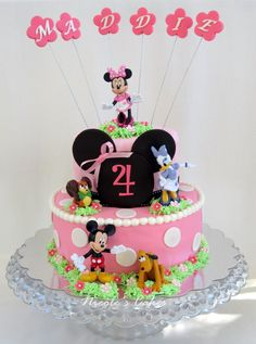 Micky Mouse Clubhouse Girl Birthday Cakes | Detailed view of the cake featuring Minnie's friends.