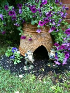 Turn a cracked pot into a toad house.