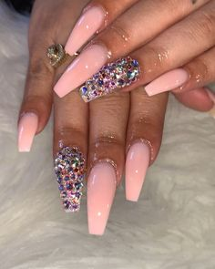 Semi-permanent varnish, false nails, patches: which manicure to choose? - My Nails Dope Nails, Glam Nails, Beauty Nails, Pink Bling Nails, Perfect Nails, Gorgeous Nails, Pretty Nails, Amazing Nails, Nail Swag