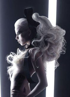 Avant-Garde Hair Designs #hairdressing #avantgarde #peinado #vanguardia #inspiration #HandmadeBCNStudio #HairArt #Hair