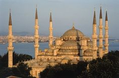 Sultan Ahmet mosque in Istanbul tried to visit 2 times first time prayer day 2nd day snowing