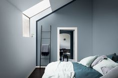 Wondering how to make a guest bedroom comfortable? Dr Dulux is here with big and small spare bedroom ideas and guest room essentials to make decorating easy Blue Gray Bedroom, Blue Bedrooms, White Bedroom, Master Bedroom, Bedroom Decor, Blue Walls, Colorful Interiors, House Design, Interior Design