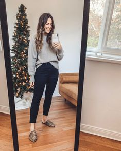 Shop Your Screenshots™ with LIKEtoKNOW.it, a shopping discovery app that allows you to instantly shop your favorite influencer pics across social media and the mobile web. Casual Work Outfits, Work Attire, Fall Outfits, Cute Outfits, Stylish Outfits, Work Fashion, Cute Fashion, Fashion Outfits, Petite Fashion