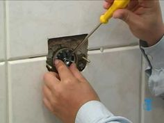 Construção na TV - Troque o reparo de uma válvula de descarga