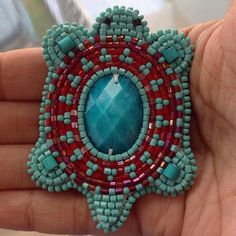 A turtle pin I did last year and gifted someone. Native Beading Patterns, Beaded Earrings Patterns, Native Beadwork, Native American Beadwork, Bead Earrings, Beading Projects, Crochet Projects, Beading Ideas, Jingle Dress