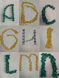 9 letters van verschillende materialen