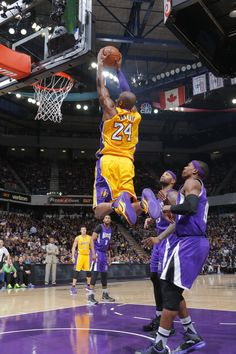 Kobe Bryant dunking an alley-oop pass from Jordan Clarkson Kobe Bryant Dunk, Kobe Bryant And Wife, Kobe Bryant Daughters, Bryant Basketball, Kobe Bryant Family, Lakers Kobe Bryant, Sports Basketball, Basketball Players, Fantasy Basketball