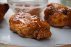 Estas alitas de pollo al horno, aderezadas con salsa barbacoa, miel, mostaza y Coca-Cola, resultan muy ricas, a la vez que sencillas de realizar. La Coca-Colales da un sabor diferente. Espero que os guste!!!! Os recuerdo que podéis estar al día de las recetas de este blog en la página de Facebook deLa cocina de ... [Leer más]