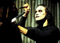 Eric Draven, (Brandon Lee) The Tormented Avenger: 'The Crow' and Why Films like 'The Avengers' Have a Shelf Life Brandon Lee, Bruce Lee, Crow Photos, Crow Movie, Best Movie Quotes, Film Review, Dark Fantasy, So Little Time, Good Movies