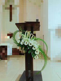 Tropical Flower Arrangements, Church Flower Arrangements, Tropical Flowers, Fresh Flowers, White Flowers, Altar Flowers, Church Flowers, Wedding Altar Decorations, Flower Decorations