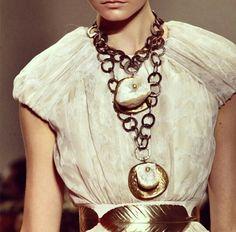 Details / Luigui Scialanga for Giambattista Valli Couture