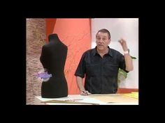 Hermenegildo Zampar - Bienvenidas TV - Explica en moldería el Trasero del Corset. - YouTube