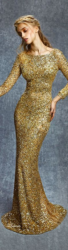 Reem Acra Pre-Fall 2015 and a dream it would look good on me! Glamour, Gold Fashion, Womens Fashion, Steampunk Fashion, Gothic Fashion, Mode Chic, Looks Style, Formal Gowns, Mannequins