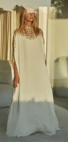 Luxury Fashion, Women's Fashion, Fashion Trends, Capsule Outfits, Fashion For Women Over 40, Fashion Updates, Caftans, Cairo, Denim Shirt