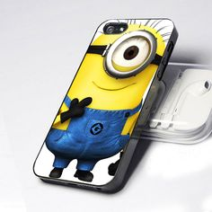 Despicable me iPhone 5 Case--I'm in love with that case! If only they made one for a Galaxy s4...