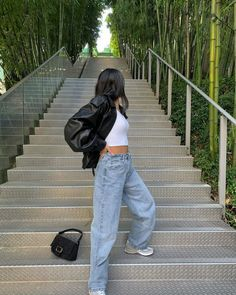 Retro Outfits, Cute Casual Outfits, Summer Outfits, Casual Jeans, High Fashion Outfits, Hijab Casual, Ootd Hijab, Simple Outfits, Fasion