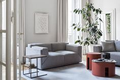 MERIDIANI I BACON modular sofa I HARDY UNO low table I GONG low tables
