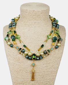 PEZZO UNICO - Collana a tre fili, boulle in agata verde, cristalli Swarovski, rondelle di strass Swarovski, perle in vetro Design by Onirica Jewelry