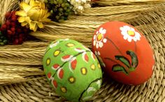 Make and decorate Easter eggs - 20 beautiful ideas and suggestions Easter Egg Pictures, Ostern Wallpaper, Egg Tree, Happy Easter Everyone, Holiday Wallpaper, Decoration Originale, Easter Parade, Decorating With Pictures, Paper Plates