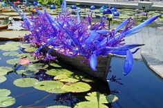 Dale Chihuly  Imgoing to have to start a Chihuly board...