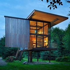 Buy 150 Best Tiny Home Ideas by Manel Gutierrez Couto at Mighty Ape NZ. A lavish, full-color guidebook showcasing the most up-to-date innovations and latest trends in efficient and successful small space design. Nature Architecture, Futuristic Architecture, Sustainable Architecture, House Architecture, Residential Architecture, Small Space Design, Small Spaces, A Frame Cabin, Tiny House Movement