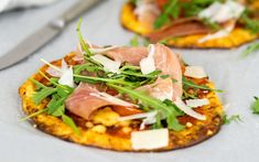 Low Carb Pizza mit Parmaschinken