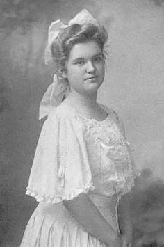 *MARJORIE ANNE NEWELL~ 23, was the daughter of Arthur Webster & Mary E Newell of Lexington, Massachusetts. She was returning from a trip to the Middle East with her father & sister Madeleine. They boarded the Titanic at Cherbourg. On April 14th their father came to their room & ordered them to dress & go out on deck. He placed them in lifeboat 6. Arthur Newall was lost in the sinking. Marjorie married Floyd Robb in 1917, & raised 4 children. She died 11 June 1992, aged 103