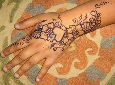Henna is beautiful! I love this design