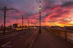 Burning_Lights_Sunrises_and_Sunsets_Over_Budapests_Skyline_by_Mark_Mervai_2016_04