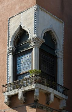Venetian Window, Venice, Italy, province of Venezia , Veneto Beautiful Architecture, Architecture Details, Architectural Elements, Italy Travel, Italy Vacation, Windows And Doors, Around The Worlds, Bali, Places