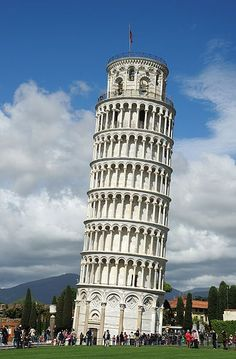 The Leaning Tower is not the only attraction in Pisa in Italy. There can be lot other things to see and do if you intend to travel to Pisa for holidays. Toscana, Khan Academy, Sites Touristiques, Pisa Italy, Tuscany Italy, Rome Italy, Famous Architecture, Famous Buildings, Romanesque