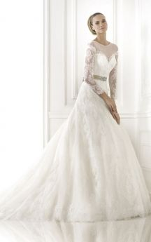 Noble 3/4 Sleeve Sweetheart Lace-appliqued Wedding Gown With Illusion Style
