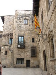Barcelona's Gothic Quarter in photos