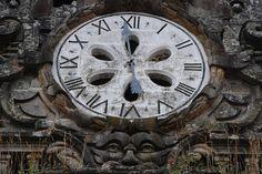 Reloj de la Catedral de Santiago de Compostela (Spain).