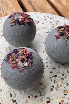 This lovely sweet scented bath bomb is one you can't miss out on, with added benefits of charcoal, cocoa butter and goat milk this bath bomb will leave your skin super clean and moisturised. Scent notes are grapefruit, lime, orange, cranberry, cinnamon, jasmine, leafy greens, raspberry, musk, and vanilla. Bath Bombs Scents, Polysorbate 80, Milk Bath, Powdered Milk, Super Clean, Goat Milk, Cocoa Butter, Pomegranate, Grapefruit