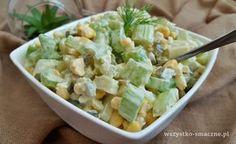 Sałatka z selerem naciowym - bardzo łatwa i szybka w przygotowaniu sałatka z jogurtem greckim. Świetna sałatka na każdą okazję. Pasta Salad, Potato Salad, Salads, Lunch Box, Sweet Home, Food And Drink, Tasty, Ethnic Recipes, Art Deco