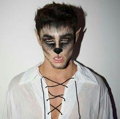 Maquillage Halloween Zombie, Yeux Halloween, Wolf Halloween Costume, Werewolf Costume, Twin Halloween, Halloween Men, Halloween Makeup Looks, Halloween Night, Halloween Nails