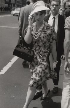 """Exhibition: 'Garry Winogrand' at the National Gallery of Art, Washington. """"More photographs by Gary Winogrand."""" Dr Marcus Bunyan. Photo: Garry Winogrand. 'New York' 1961"""