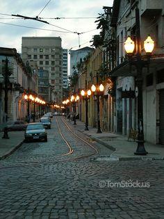 Coobblestone-streets-in-old-town-santos-brazil