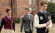 Want to know how to dress like a preppy man ?what are the preppy outfits for guys ? What accessories are perfect for him? This article from Outfit Trends Style Preppy, Cute Preppy Outfits, Preppy Boys, Preppy Dresses, Preppy College Style, Preppy Family, Preppy Outfits For School, Trendy Style, College Guys
