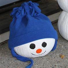 No Carve Pumpkin Carving Idea: Pumpkin Head Snowmen, great for kids crafts #Halloween #DIY