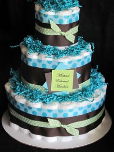 baby boy diaper cake (just change the colors for a girl) - Makes a great centerpiece or gift for a baby shower..